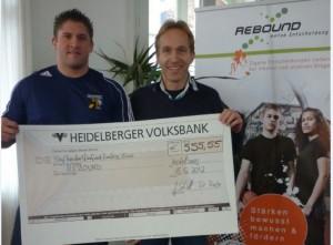 Löwen sammeln im Movember 555 Euro für das Projekt Rebound