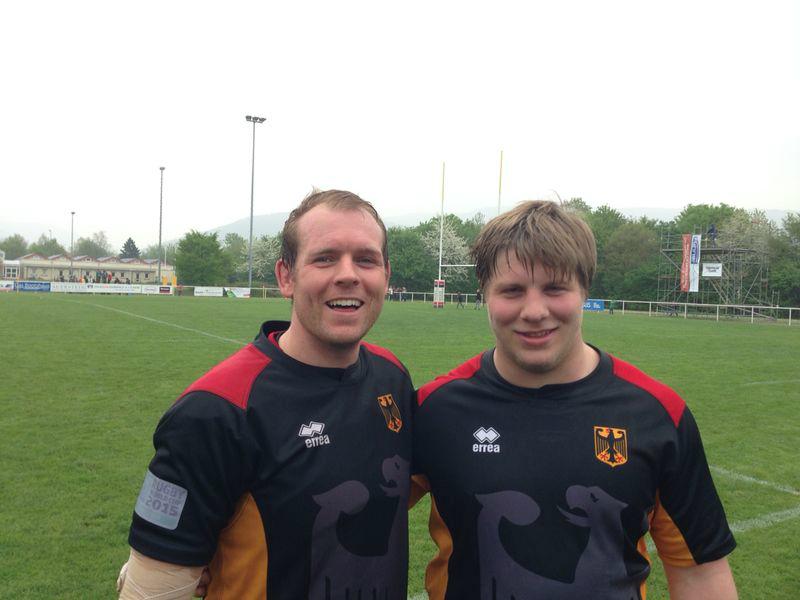 Alex Hug und Marcus Bender freuen sich nach dem Sieg über Tschechien
