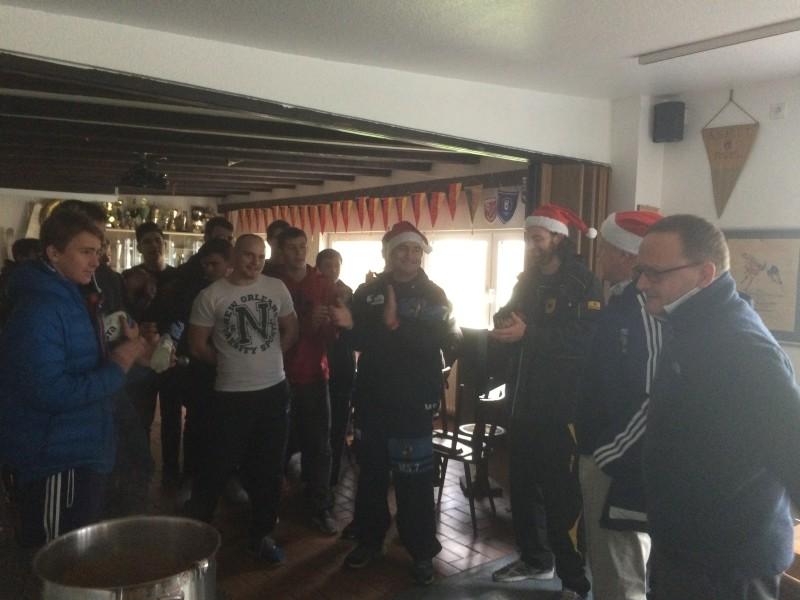 Der Rugbynikolaus brachte Geschenke