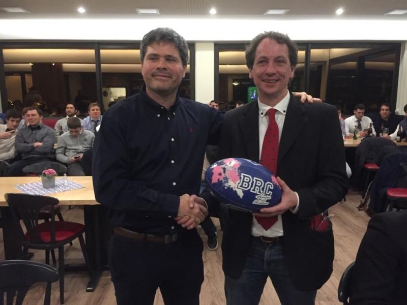 Die Vorstände der Vereine Alain Bloed (links) und Volker Kraft bei der Dankesrede